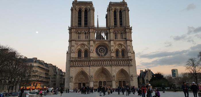 15 aprile 2019 - Brucia Notre Dame de Paris