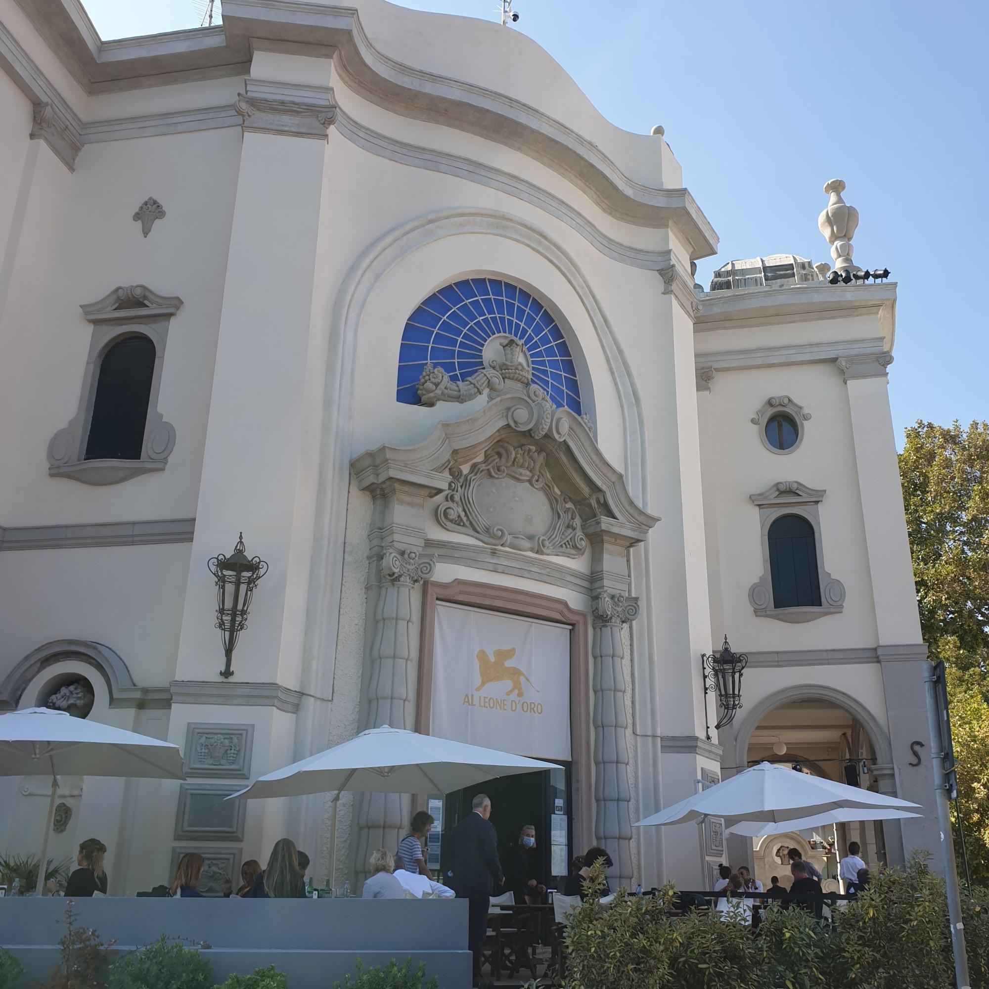 77 Mostra del cinema di Venezia - il bar degli artisti