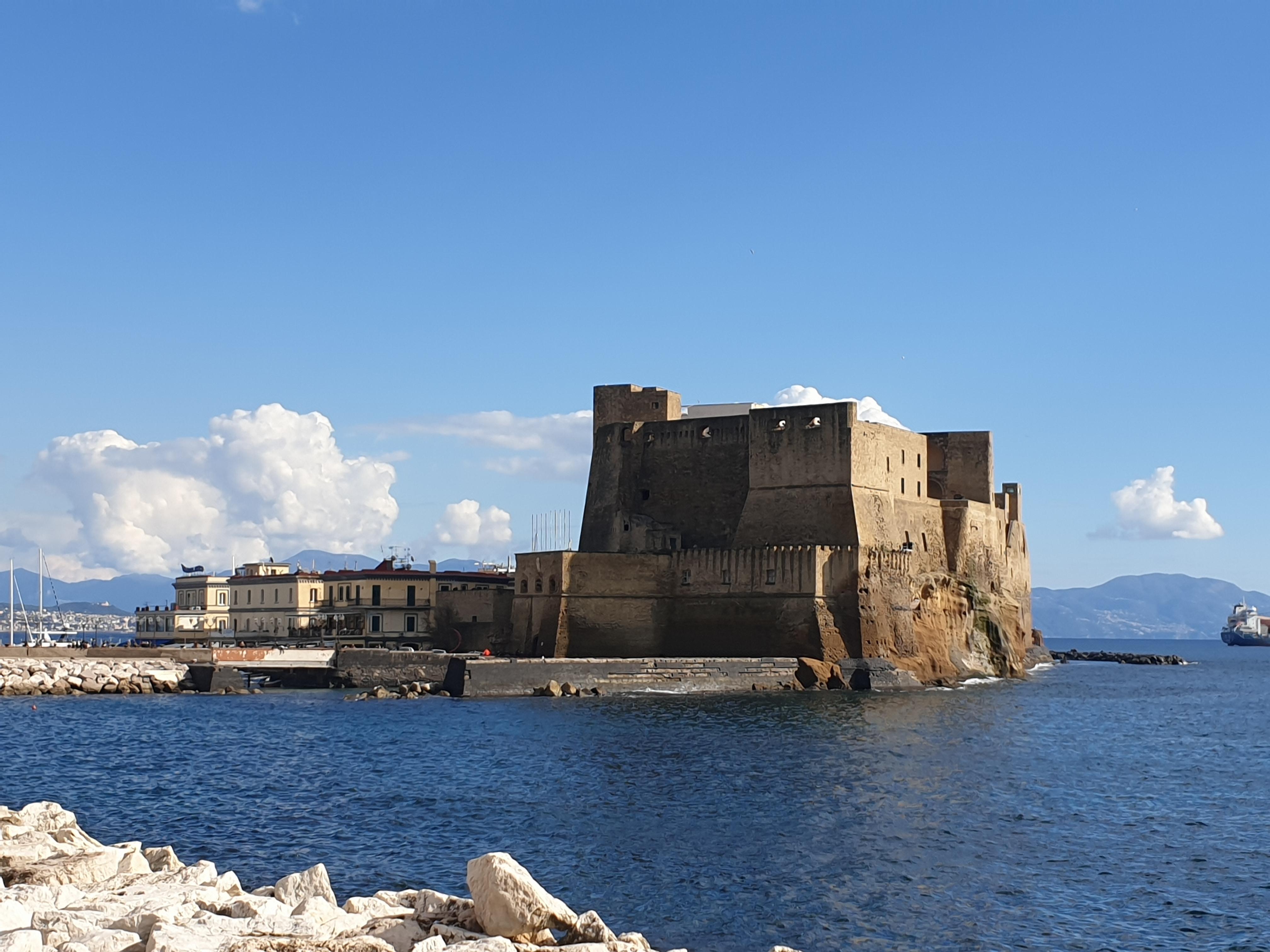 Torre dell'Ovo - Lungomare di Napoli